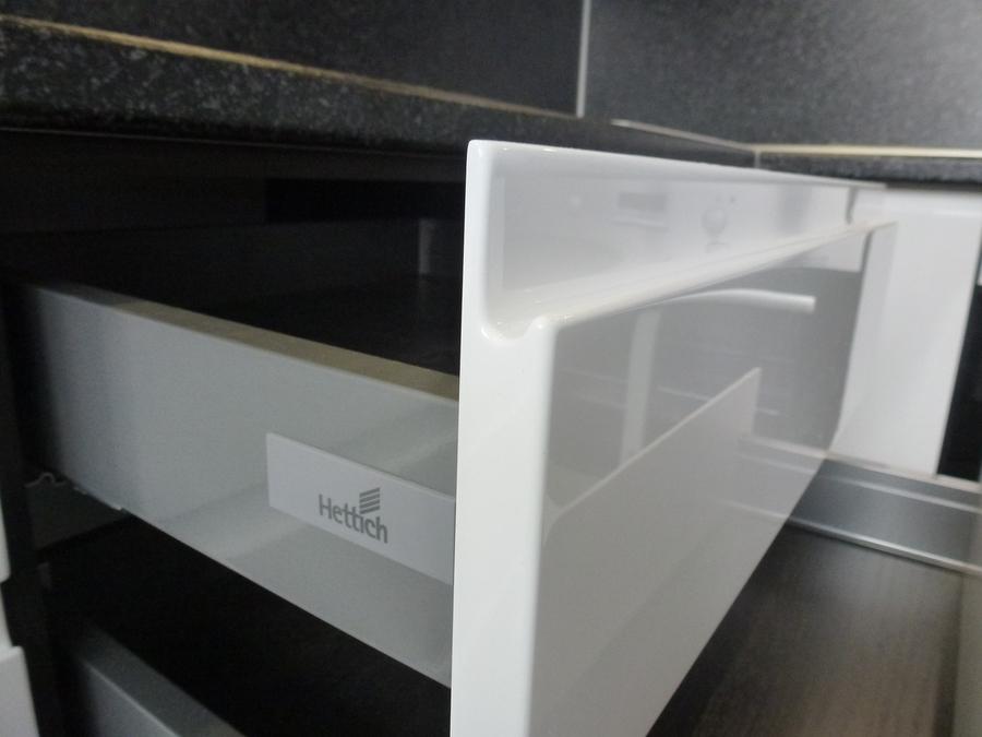 Белый кухонный гарнитур-Кухня МДФ в эмали «Модель 430»-фото5