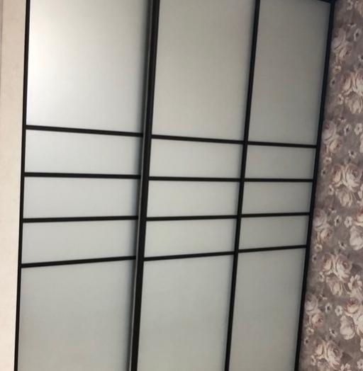Белые шкафы-купе-Шкаф-купе из стекла Лакобель «Модель 243»-фото6